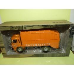 CAMION D'AUTREFOIS N°109 ROMAN 10.215 1975 Camion Poubelle ALTAYA 1:43