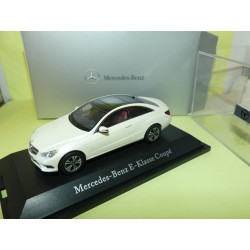 MERCEDES CLASSE E COUPE C207 Blanc KYOSHO 1:43