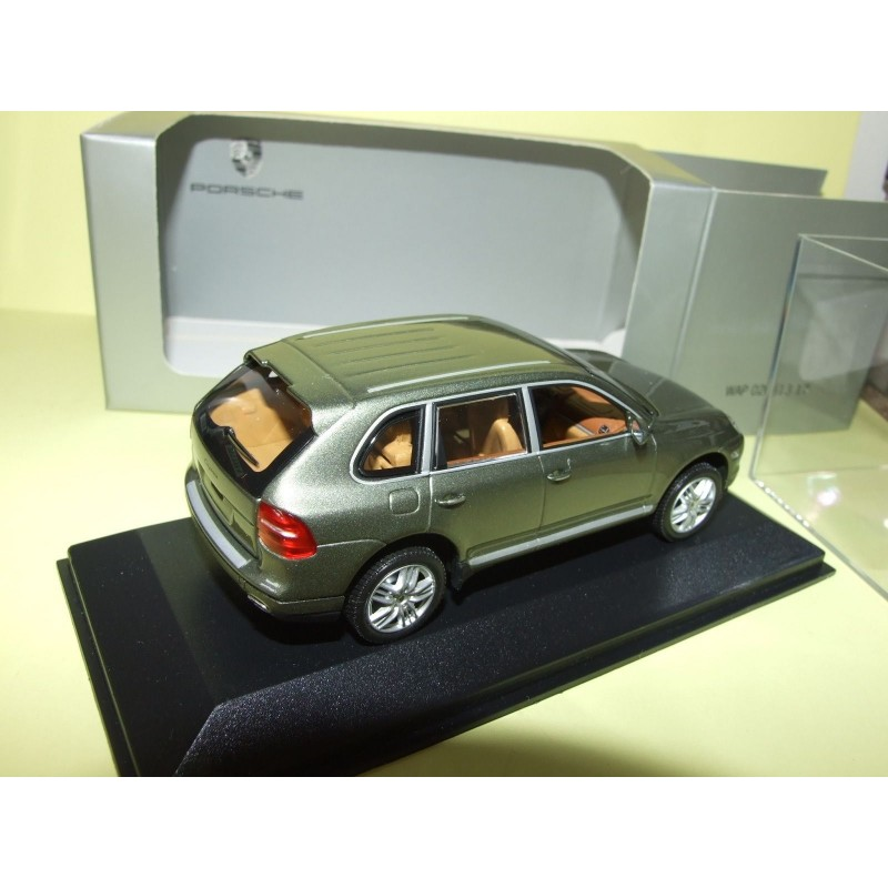 porsche cayenne s i phase 2 957 2007 vert minichamps 1 43 43miniauto. Black Bedroom Furniture Sets. Home Design Ideas