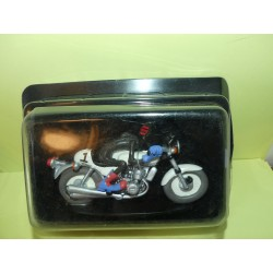 FIGURINE MOTO JOE BAR TEAM N°08 WALTER COULEDE SUR SA SUZUKI 750 GT ROCA DE 1974 1:18