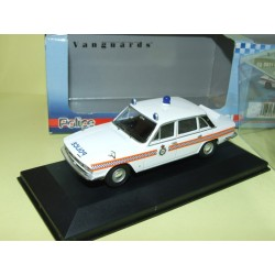 TRIUMPH 2.5 Pi CLEVELAND CONSTABULARY TRAFFIC CAR POLICE VANGUARDS VA08211 1:43