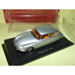CITROEN DS 21 1969 Gris UNIVERSAL HOBBIES 1:43 sous blister