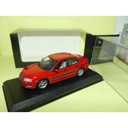 SAAB 9-3 2.3T Rouge UNIVERSAL HOBBIES 1:43