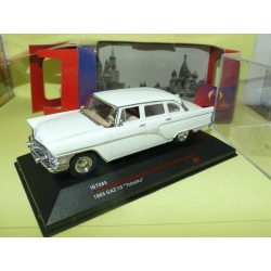 GAZ 13 TCHAIKA 1965 Blanc IXO IST085 1:43