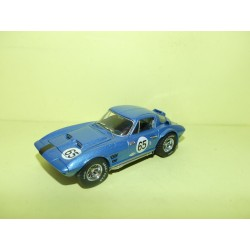 CHEVROLET CORVETTE GRAND SPORT N°67 ROAD AMERICA 1964 UNIVERSAL HOBBIES 1:43 sans boite