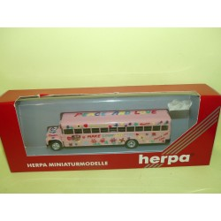 BUS BLUE BIRD US SCHOOL BUS PEACE AND LOCE HERPA 141376 HO 1:87