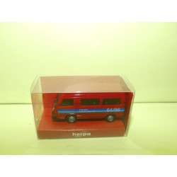 MERCEDES 100 D BUS AEROPORT DE FRANCFORT HO 1:87 043014