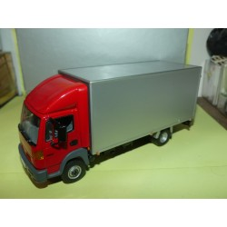 NISSAN ATLEON CAMION Rouge  J-COLLECTION 1:43