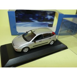 FORD FOCUS I Phase 1 5 Portes gris MINICHAMPS 1:43