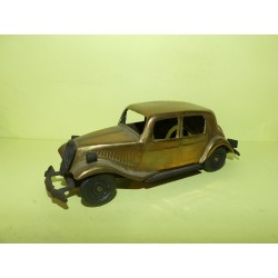 CITROEN TRACTION 15 EN METAL DORÉ Made Italy 1:36 sans boite