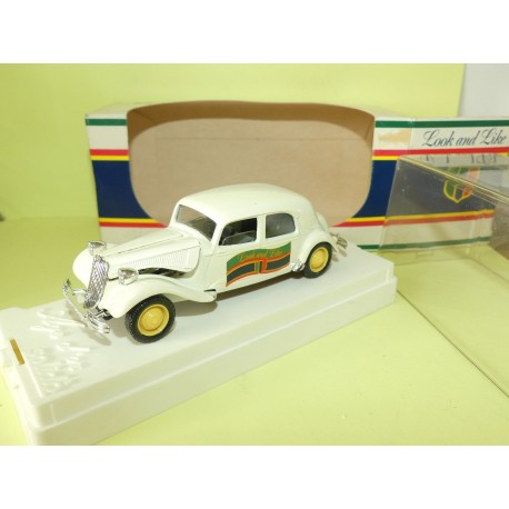 CITROEN TRACTION 15CV Blanc LOOK AND LIKE sur base SOLIDO 1:43