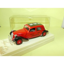 CITROEN TRACTION 15CV 18-VIIAMSTERDAM 1984 sur base SOLIDO 1:43