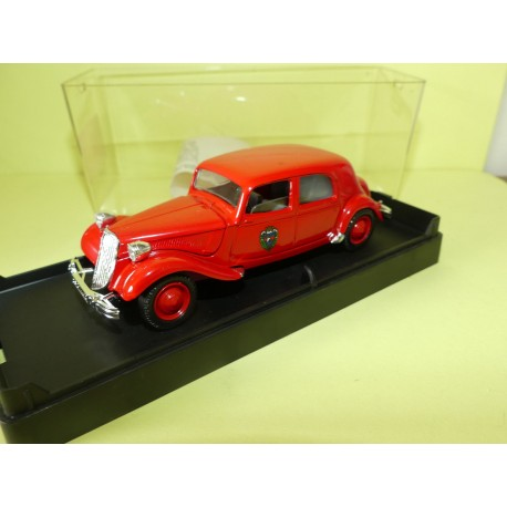 CITROEN TRACTION 15CV POMPIERS 1952 SOLIDO 1:43