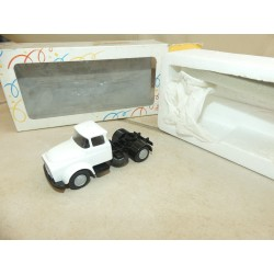 CAMION DAF Blanc LION TOYS 1:50
