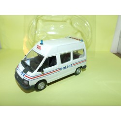 RENAULT TRAFIC I Phase 2 POLICE NOREV pour HACHETTE  1:43 sous coque