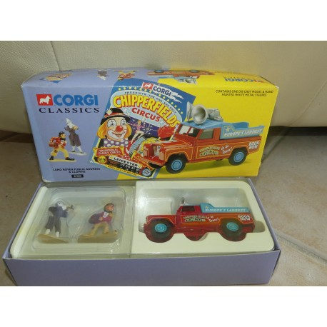 LAND ROVER PUBLIC ADDRESS et CLOWN CHIPPERFIELS CIRCUS CIRQUE CORGI 07202 1:43