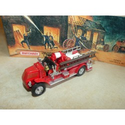 MACK AC FIRE ENGINE 1920 POMPIERS MATCHBOX YFE01-M 1:43