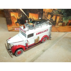 GMC AMBULANCE FIRE TRUCK 1937 POMPIERS MATCHBOX YYM35192 1:43