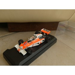 McLAREN M23 N°11 GP 1976 J. HUNT KIT TENARIV 1:43 Champion du Monde