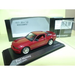 FORD MUSTANG GT 2005 Rouge Vin MINICHAMPS 1:43