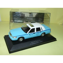 LINCOLN TOWN CAR 1996 TAXI DE WASHINGTON ALTAYA 1:43