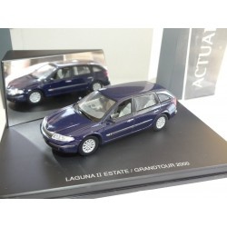 RENAULT LAGUNA ESTATE II Phase 1 2000 Bleu UNIVERSAL HOBBIES 1:43