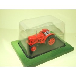 TRACTEUR N°022 DAVID BROWN CROPMASTER 1949 UNIVERSAL HOBBIES 1:43 sous coque