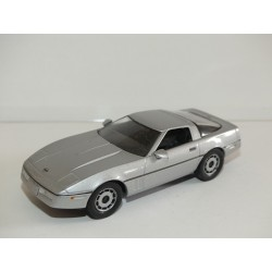 CHEVROLET CORVETTE C4 Gris UNIVERSAL HOBBIES  1:43