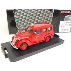 FIAT 1100 E AMBULANCE POMPIERS VIGILI DEL FUGO 1947 BRUMM R180B 1:43