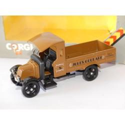 RENAULT TRUCK 1926 JULES COULARD VIN et CHARBON CORGI 0823 1:43