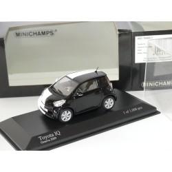 TOYOTA IQ GENVA CAR SHOW 2009 Noir Blanc MINICHAMPS 1:43