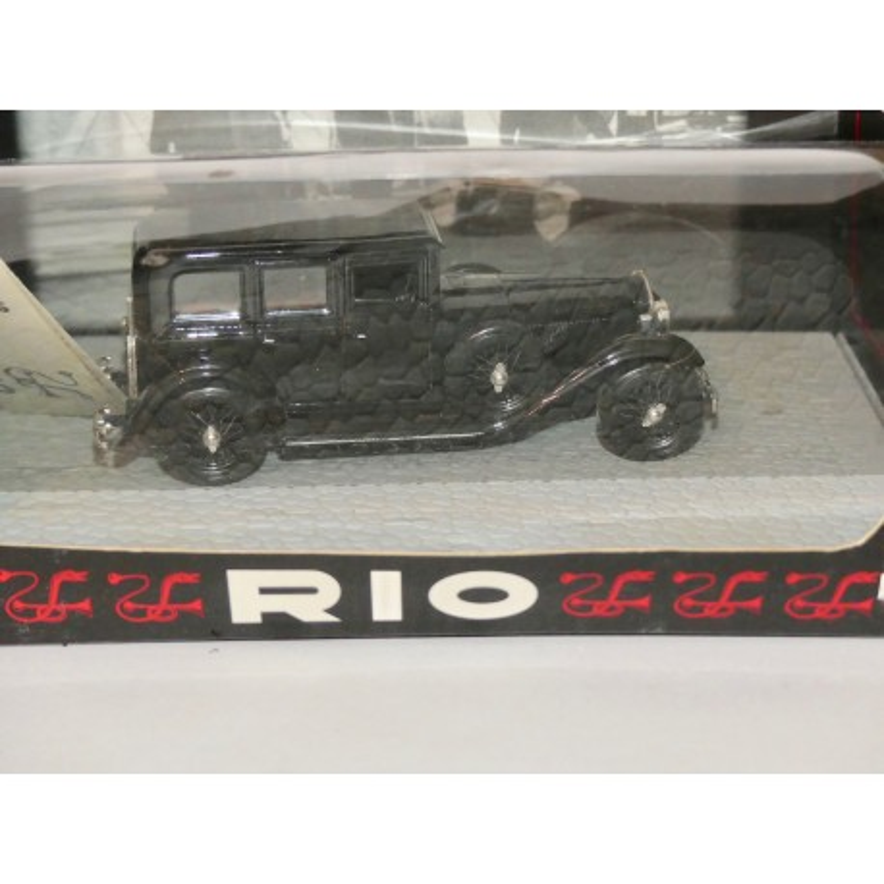 LANCIA DILAMBDA 1930 MUSSOLINI STAPACE RIO143 1:43 défaut manque les figurines