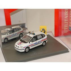 RENAULT SCENIC I PHase 2 POLICE NATIONALE UNIVERSAL HOBBIES 1:43 défaut