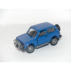 LADA NIVA 2213 Bleu FABRICATION RUSSE Made In URSS 1:43 sans boite
