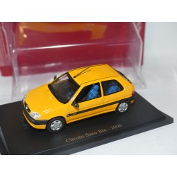 CITROEN SAXO BIC 2000 Orange UNIVERSAL HOBBIES  1:43 blister
