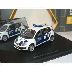 RENAULT SCENIC II Phase 1 POLICE POLICIA MUNICIPAL MADRID UNIVERSAL HOBBIES 1:43