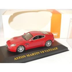 ASTON MARTIN V8 VANTAGE 2005 Rouge IXO JUNIOR 1:43