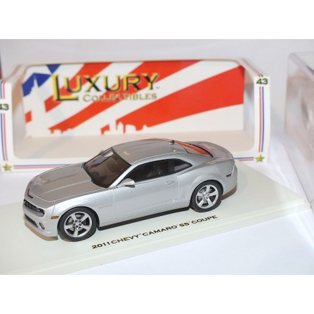 CADILLAC CTS-V WAGON 2011 Bordeaux LUXURY COLLECTIBLES 1:4