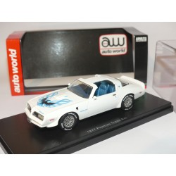 PONTIAC TRANS AM 1977 Blanc ERTL AUTO WORLD 1:43