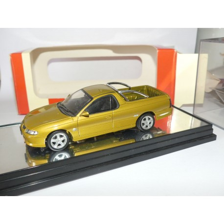 HOLDEN HQ GTS MONARO 2007 CLASSIC CARLECTABLES 1:43