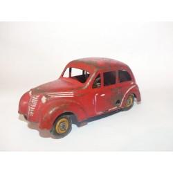 RENAULT JUVAQUATRE 5/39 1939/1940 Rouge CIJ 12,5 Cm sans boite