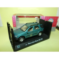 MERCEDES CLASSE ML 320 W163 Vert CARARAMA 1:43 boite carton