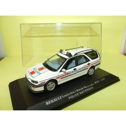 RENAULT LAGUNA I BREAK NEVADA RXE 1998 POLICE NATIONALE UNIVERSAL HOBBIES Collection M6 1:43