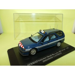 RENAULT LAGUNA I BREAK NEVADA RXE 1998 GENDARMERIE D'AUTOROUTE UNIVERSAL HOBBIES Collection M6 1:43